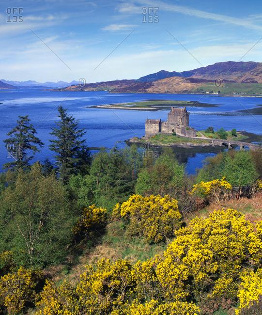 Spring view overlooking the famous Castle of Eilean Donan on Loch Duich, Dornie, Loch Duich