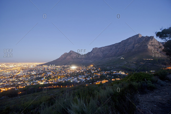 Cape Town with the Table Mountain at dusk