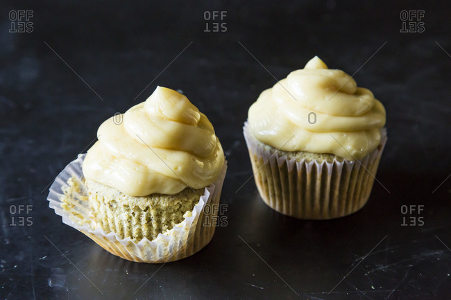 Chamomile lemon cupcakes with buttercream frosting