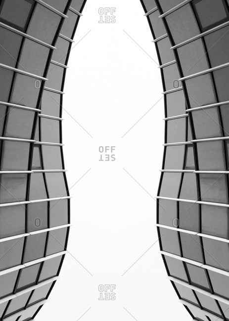 Mirrored facade, composing