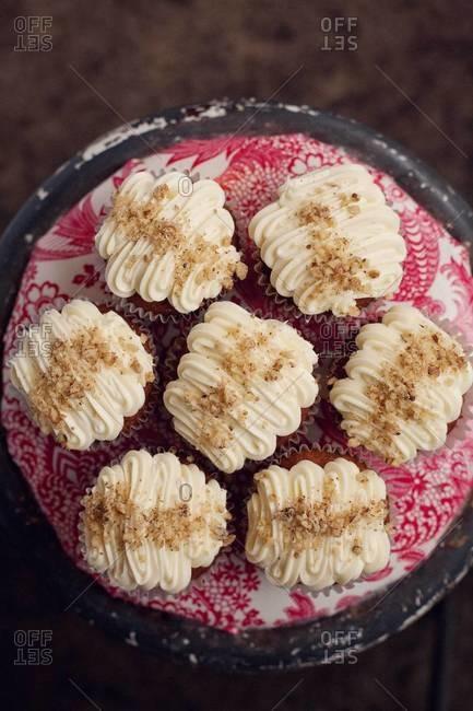 Top view of a hummingbird cupcakes