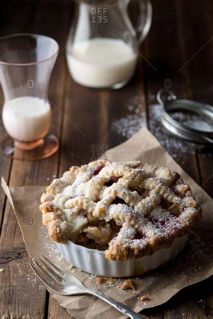 Apple cranberry mini pie