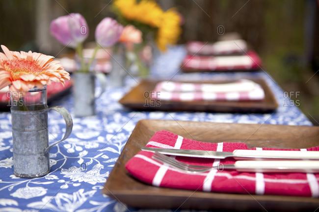 Table set for al fresco dinner