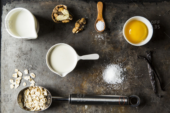 Ingredients for oatmeal ice cream with toasted walnuts