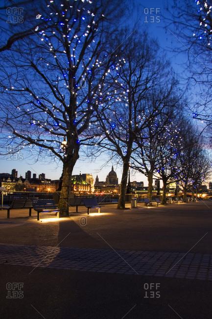 London skyline at dawn with St. Pauls behind, London, England, United Kingdom, Europe