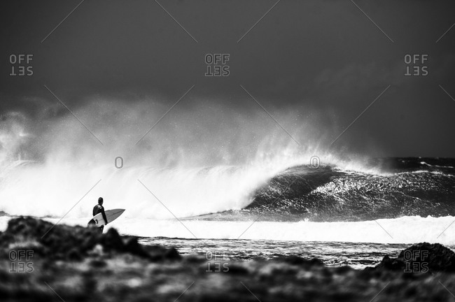 Watching perfect waves - Offset Collection