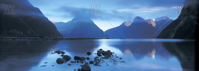 Lake and mountain peaks - Offset