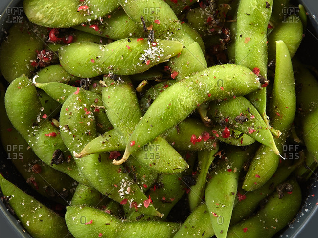 Edamame beans seasoned with salt and pepper