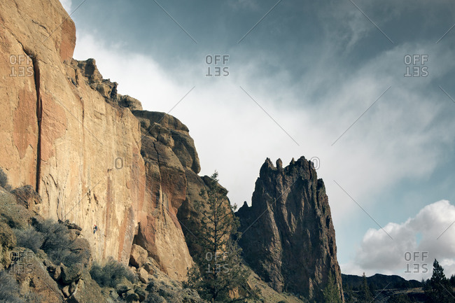 Jagged rock formation and cliffs, Smith Rock State Park