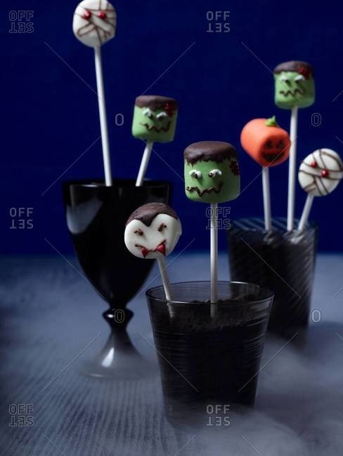 Marshmallow Halloween decoration on a table