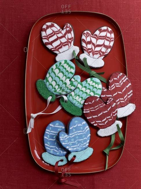 Decorated chocolate mittens - Offset Collection