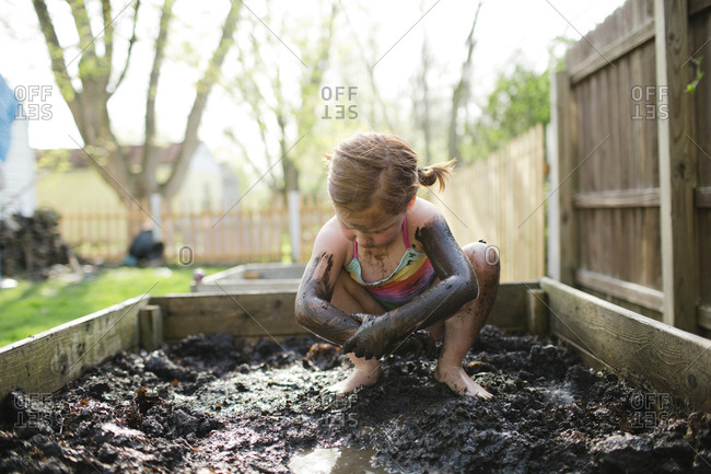 Nude Girls Playing In Mud