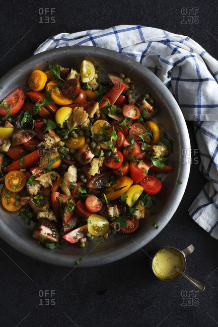 Tomato salad with capers and bread crumbs