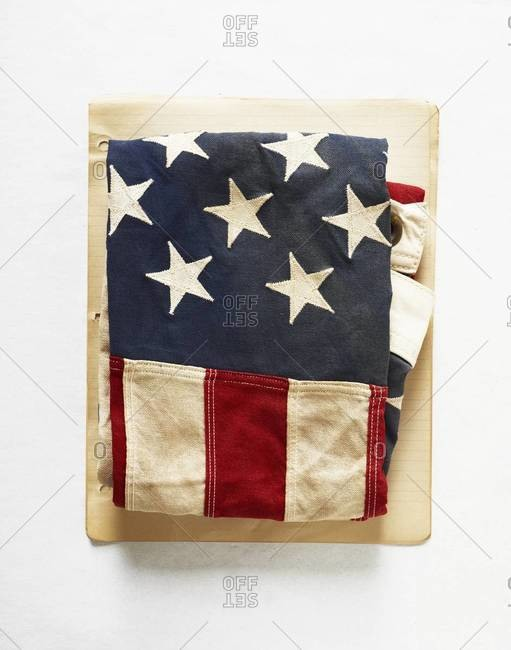 USA flag on a note paper