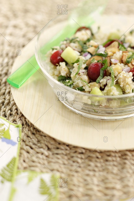 Bulgur salad with cherries and chickpeas