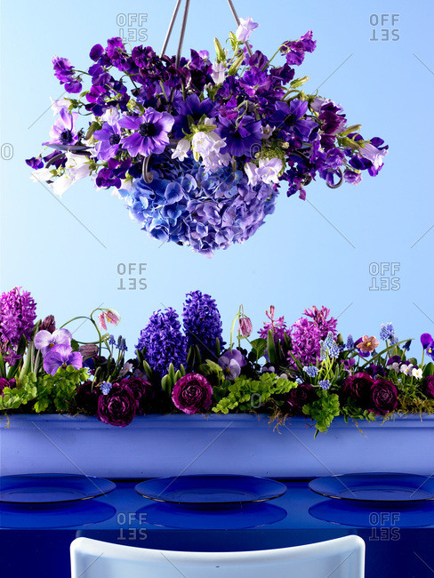 Table setting with fresh lilac flowers