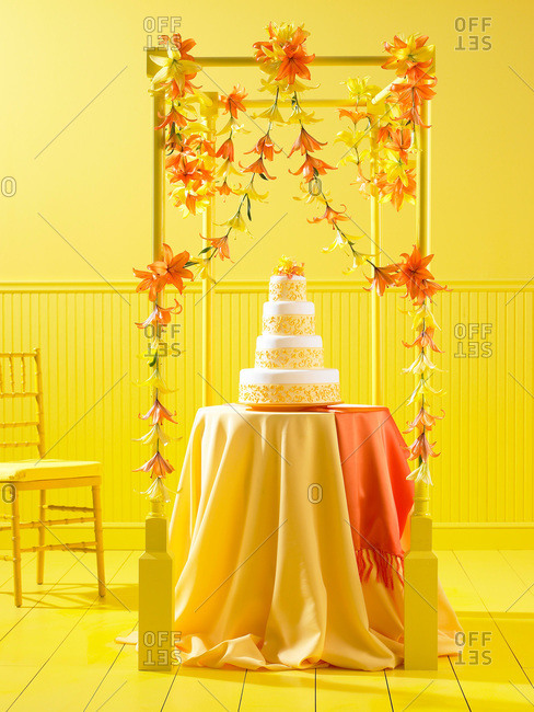 Decorations with a wedding cake