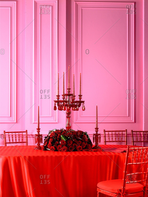 Deep red rose centerpiece - Offset