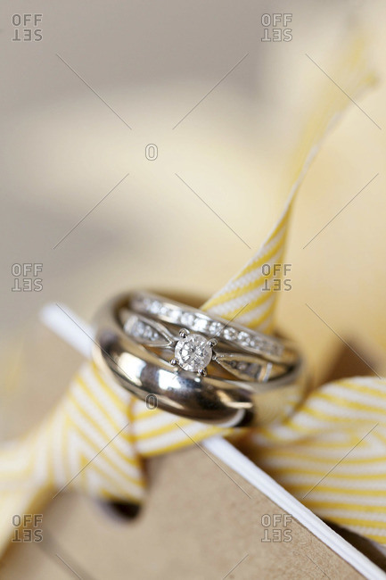 Close up of classy wedding rings