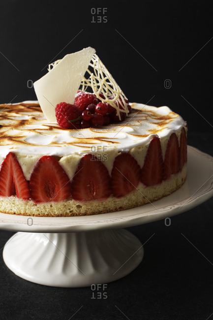 Fraiser cake with strawberries and custard