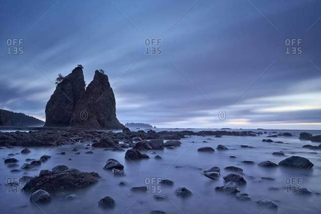 Sea stacks and rocks, Rialto Beach, Washington State, United States of America, North America