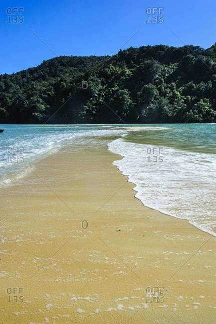 Sand split in the Abel Tasman National Park, South Island, New Zealand, Pacific