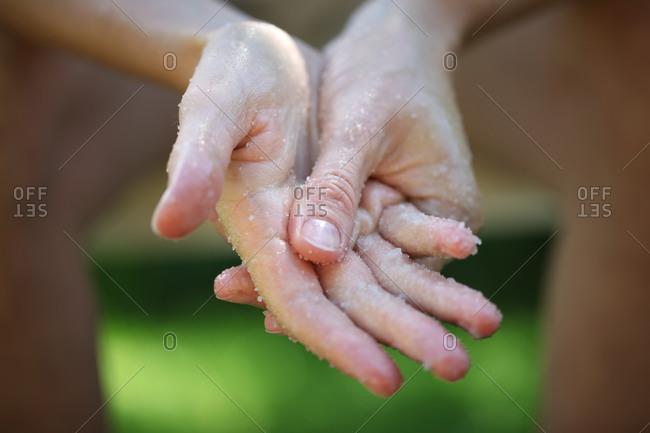 hand exfoliation treatment