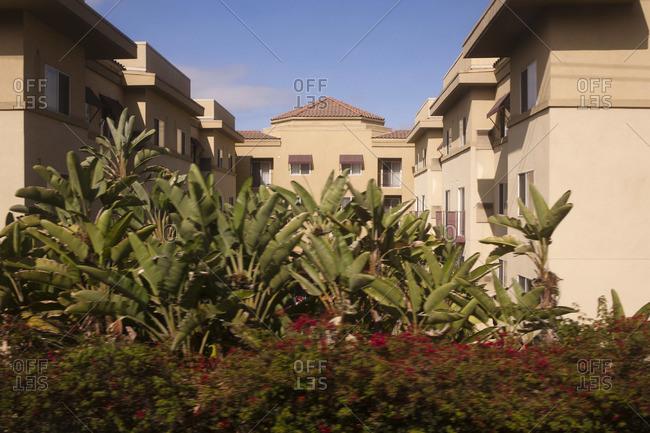 Condominium complex in California - Offset