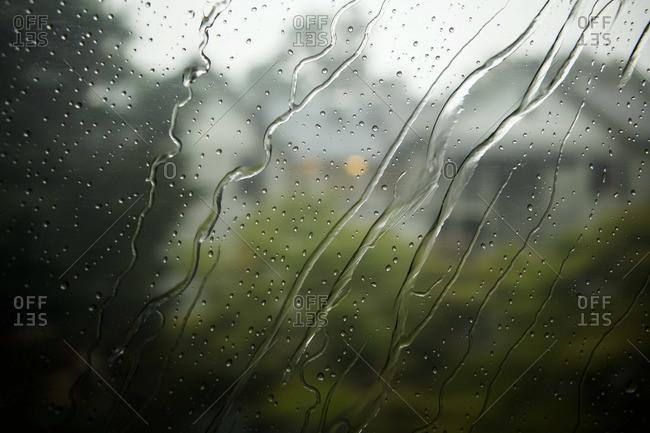 Raindrops on a window - Offset