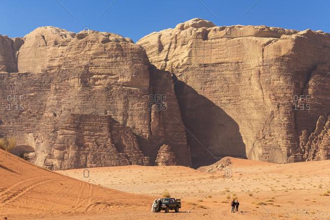 Exploring Wadi Rum desert by car, Wadi Rum, Jordan