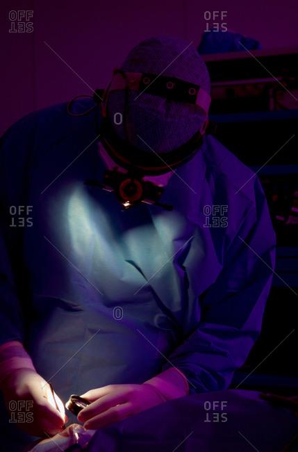 Surgeon performing microsurgery of the retina