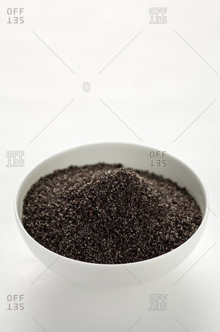 Ground poppy seed