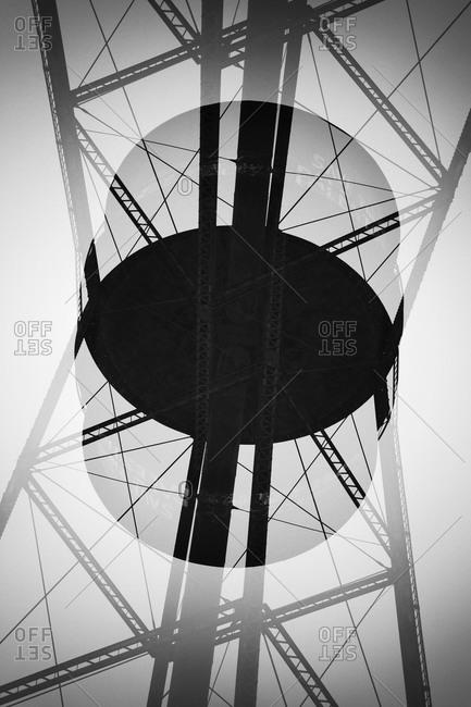Double exposure symmetry of pylon
