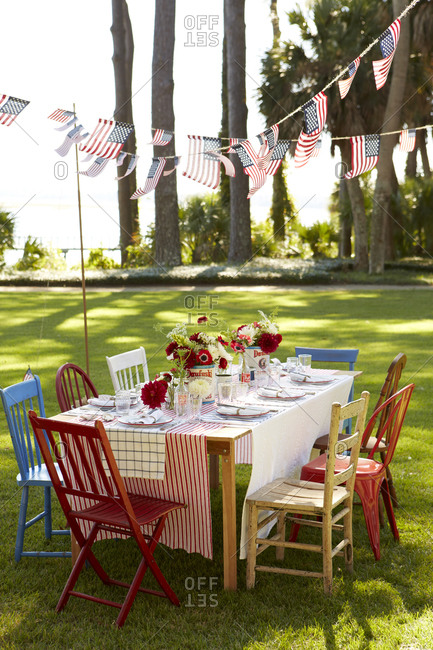 4th of July table setting in a garden