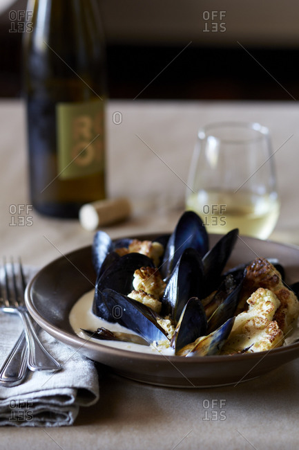 Mussels with roasted cauliflower florets