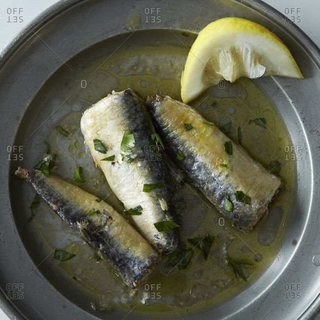 Sardines with lemon