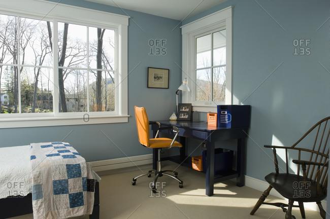 Desk in boys room - Offset