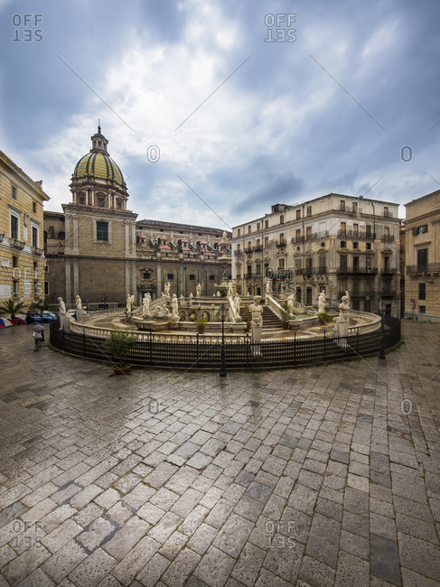 Fountain Fontana della Vergogna and Church San Giuseppe dei Teatini in the background, Palermo, Sicily