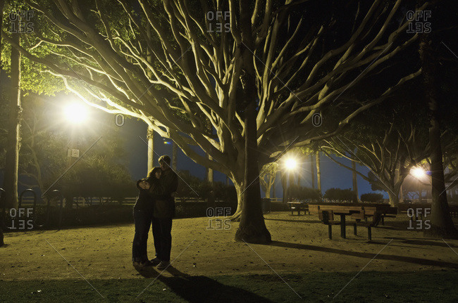 Romance during a foggy night in Palisades Park