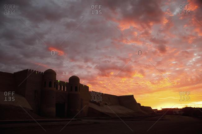 South Gate (Tosh Darvosa) at sunrise, Ichan Kala Old City, Khiva, Kizilkum desert, Khwarezm region, Uzbekistan