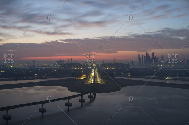 Track leading into Dubai - Offset