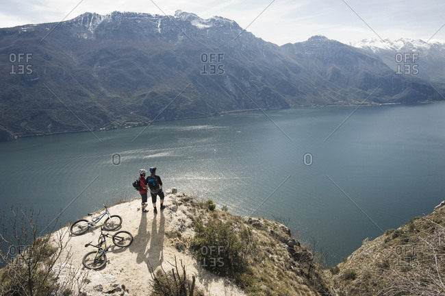 Men with mountain bikes at Lake Garda, Italy
