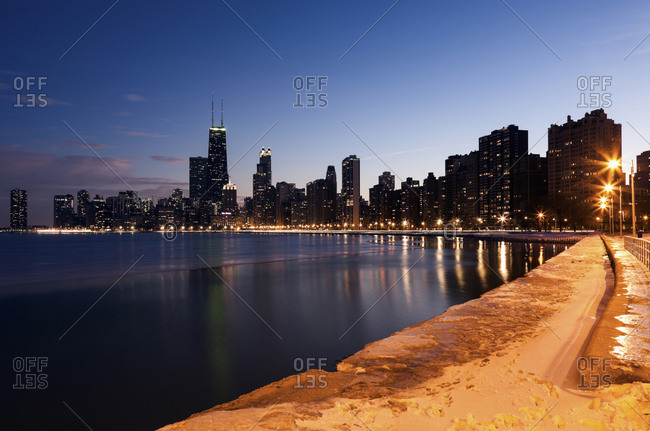 Downtown seen from North Avenue Beach, Chicago