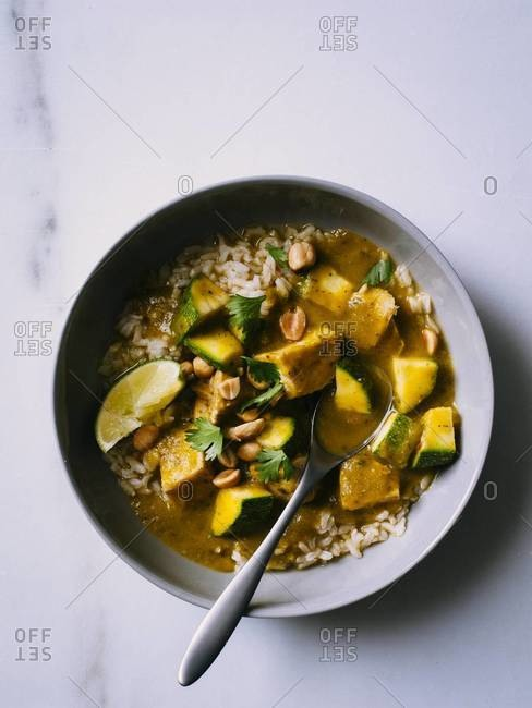 Leftover thanksgiving turkey curry with zucchini and brown rice