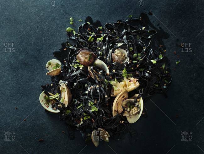 Clams in squid ink