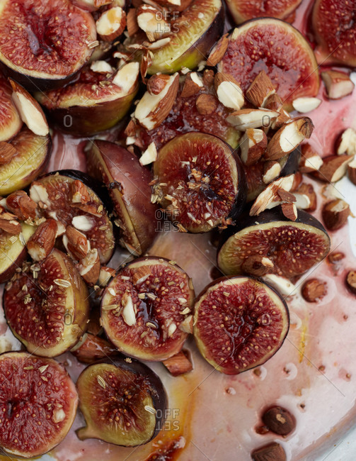 Baked figs on a pan