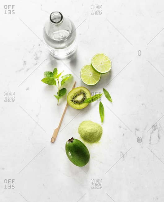 Ingredients of a Feijoa & Kiwi Spritzer Mocktail