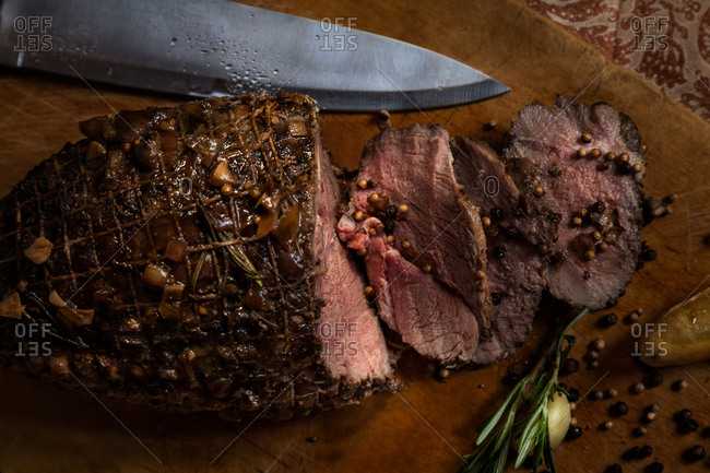 Roast beef on a cutting board