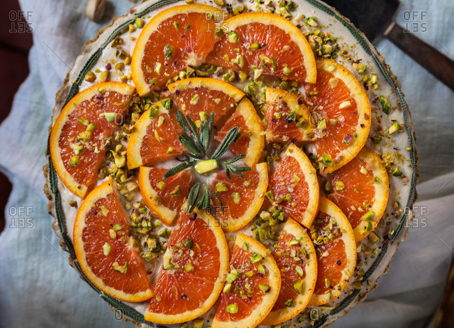 Grapefruit tart with pistachios