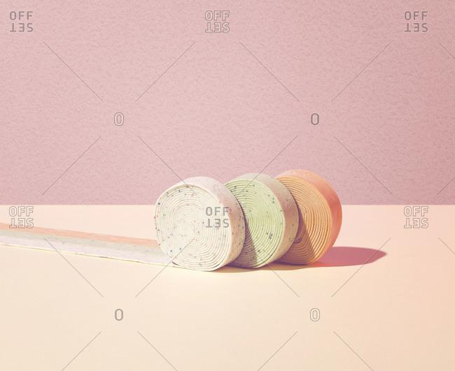 Unrolling bubble gum ribbon